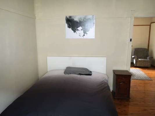 $180-200, Share-house, 2 rooms, Carrington Avenue, Hurstville NSW 2220, Carrington Avenue, Hurstville NSW 2220