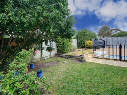 $150-205, Share-house, 2 rooms, Lant Street, Chapel Hill QLD 4069, Lant Street, Chapel Hill QLD 4069