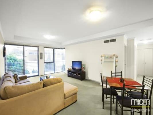 $300, Flatshare, 2 bathrooms, Wells Street, Southbank VIC 3006