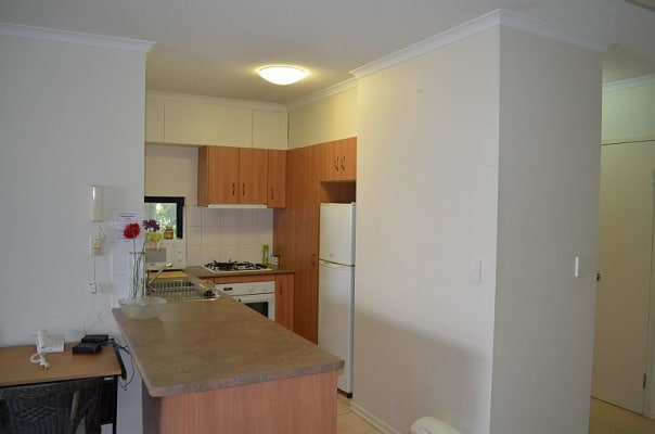$330, Share-house, 2 bathrooms, Saint Pauls Terrace, Spring Hill QLD 4000