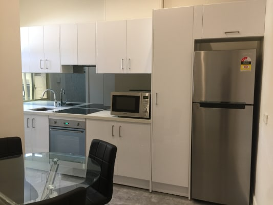 $360, Flatshare, 2 bathrooms, Crown Street, Surry Hills NSW 2010
