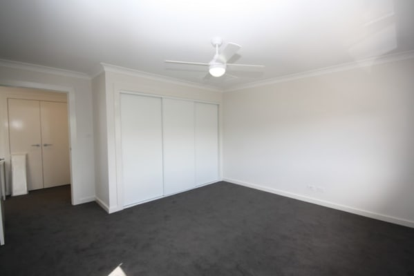 $160, Flatshare, 2 bathrooms, Croudace Road, Elermore Vale NSW 2287