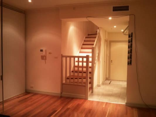 $250, Flatshare, 2 bathrooms, La Trobe Street, Melbourne VIC 3000