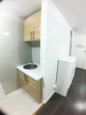 $250, Studio, 1 bathroom, Goderich Street, East Perth WA 6004