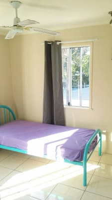 $125, Share-house, 2 bathrooms, Mount Louisa Drive, Mount Louisa QLD 4814