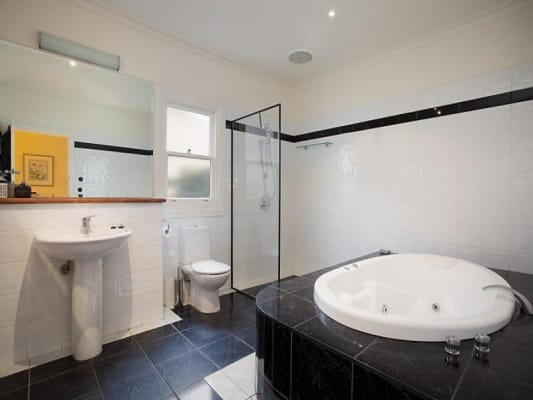 $350, Share-house, 6 bathrooms, Myrtle Street, Saint Kilda East VIC 3183