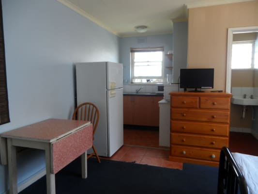$540, Studio, 1 bathroom, Dalgety Street, Saint Kilda VIC 3182