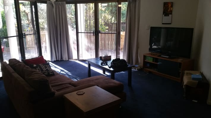 $210, Flatshare, 2 bathrooms, Foxton Street, Indooroopilly QLD 4068