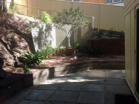 $290, 1-bed, 1 bathroom, Stonehenge Street, Chapel Hill QLD 4069