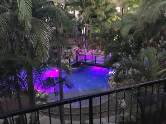$250, Flatshare, 3 bathrooms, Great Hall Drive, Miami QLD 4220