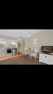 $620, 1-bed, 1 bathroom, Elizabeth Bay Road, Elizabeth Bay NSW 2011