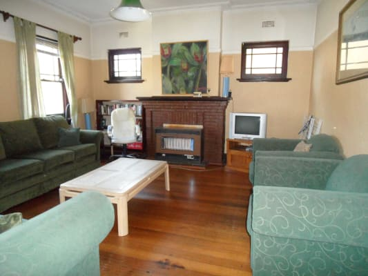 $380, Flatshare, 2 bathrooms, Mitford Street, Saint Kilda VIC 3182