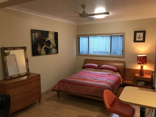 $220, Studio, 1 bathroom, Greenacre Avenue, Lake Munmorah NSW 2259