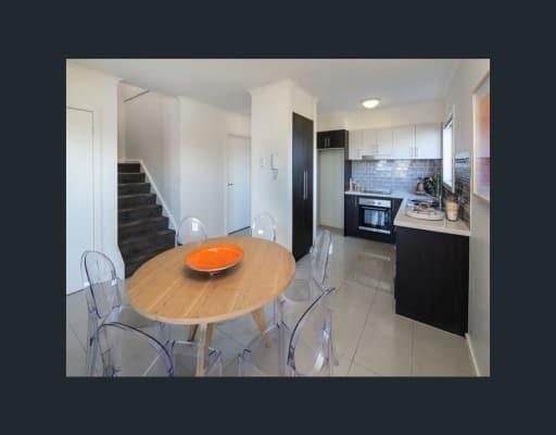 $230, Flatshare, 3 bathrooms, Wardens Walk, Coburg VIC 3058