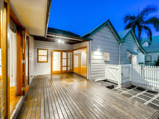 $235, Share-house, 5 bathrooms, Bradley Street, Spring Hill QLD 4000