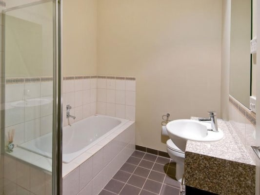 $220, Flatshare, 3 bathrooms, Cumming Street, Brunswick West VIC 3055