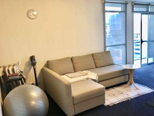$300, Flatshare, 2 bathrooms, Cohen Place, Melbourne VIC 3000