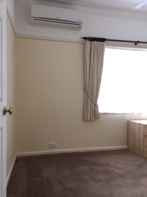 $140, Share-house, 3 bathrooms, Grandview Drive, Campbelltown NSW 2560