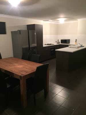 $180, Share-house, 3 bathrooms, Lancelot Green, Wattle Grove WA 6107