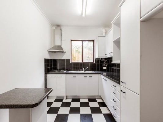 $220, Flatshare, 2 bathrooms, Miller Street, Prahran VIC 3181