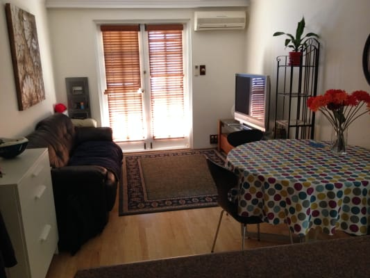 $280, Flatshare, 2 bathrooms, Nile Street, East Perth WA 6004
