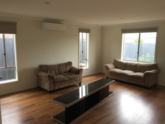 $120, Share-house, 3 bathrooms, Sirrom Crescent, Armstrong Creek VIC 3217