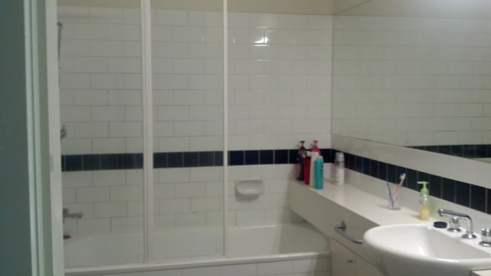 $165, Flatshare, 2 bathrooms, Miles Street, Southbank VIC 3006