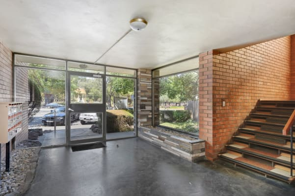 $300, 1-bed, 1 bathroom, Brunswick Street, Fitzroy North VIC 3068