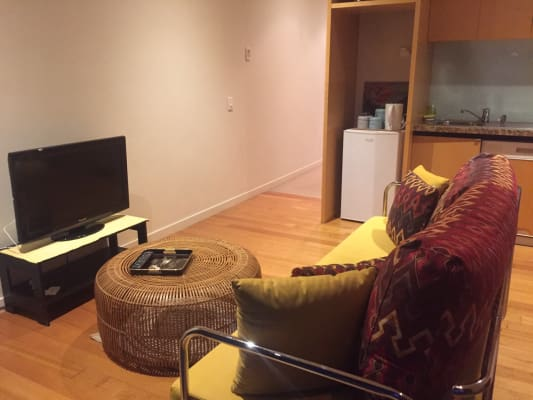 $450, 1-bed, 1 bathroom, Clarendon Street, Southbank VIC 3006