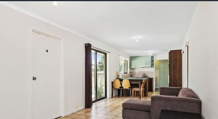 $200, Share-house, 5 bathrooms, Daniher Close, Berwick VIC 3806