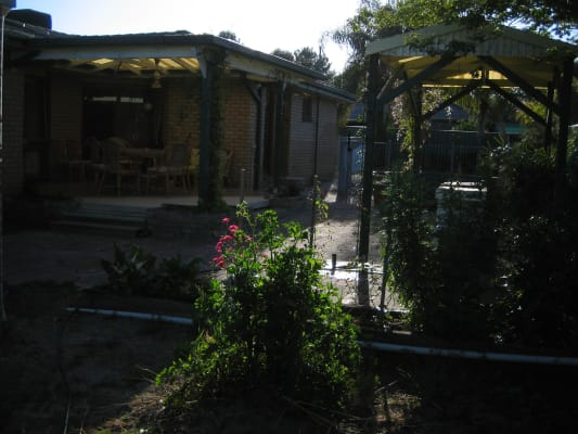 $110, Share-house, 5 bathrooms, Bunton Street, North Albury NSW 2640