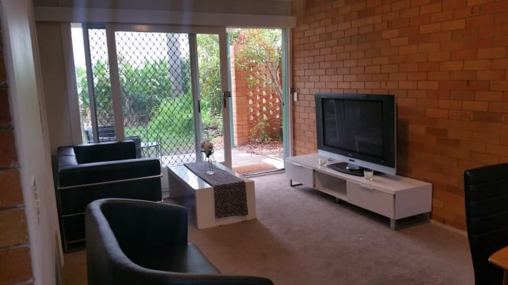 $255, Flatshare, 2 bathrooms, Central Avenue, Saint Lucia QLD 4067