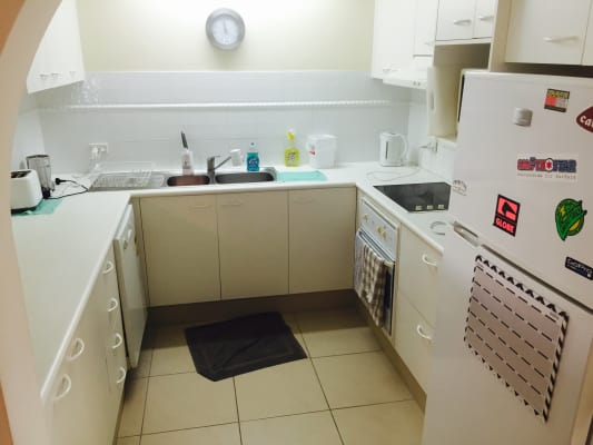 $158, Flatshare, 2 bathrooms, Second Avenue, Broadbeach QLD 4218