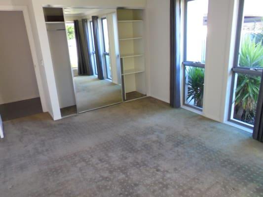 $200, Share-house, 4 bathrooms, Argyle Crescent, Bundall QLD 4217