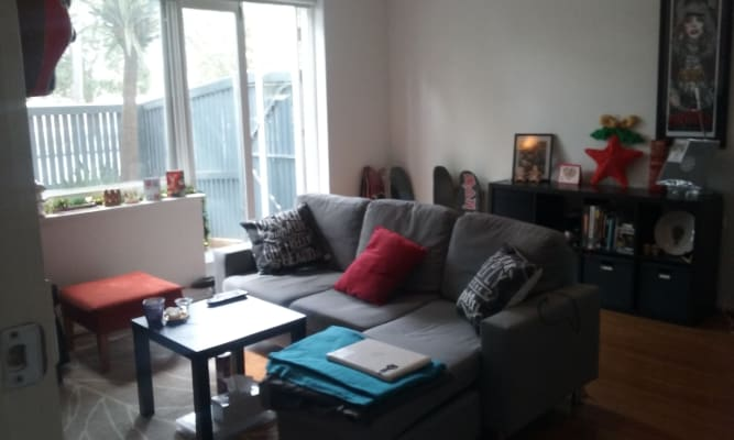 $250, Flatshare, 2 bathrooms, St Kilda Street, Elwood VIC 3184
