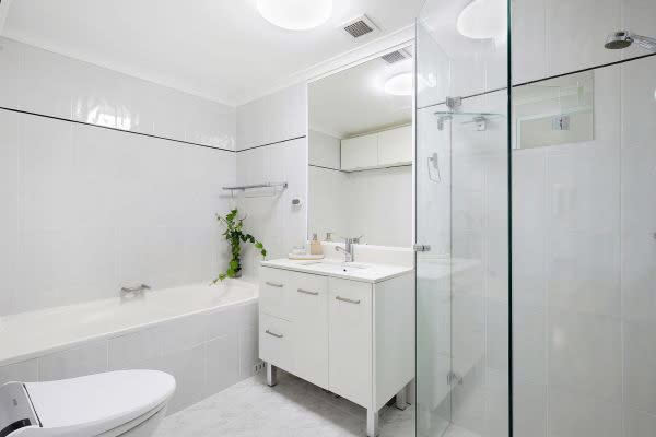 $400, Flatshare, 2 bathrooms, Herbert Street, St Leonards NSW 2065