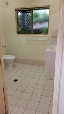 $260, Granny-flat, 1 bathroom, Fig Tree Pocket Road, Chapel Hill QLD 4069
