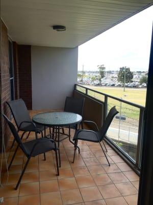 $220, Flatshare, 2 bathrooms, Bellevue , Newcastle West NSW 2302