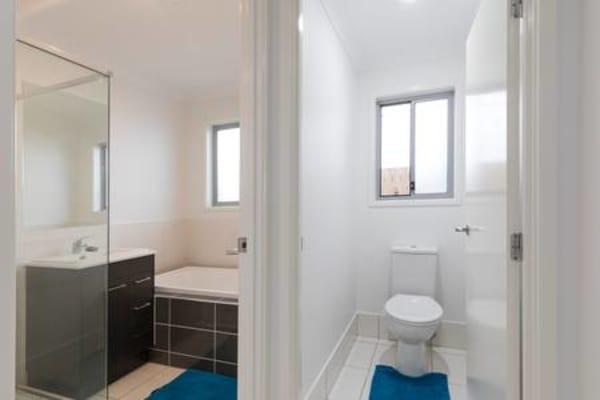 $250, Share-house, 3 bathrooms, Viridian Circuit, Birtinya QLD 4575