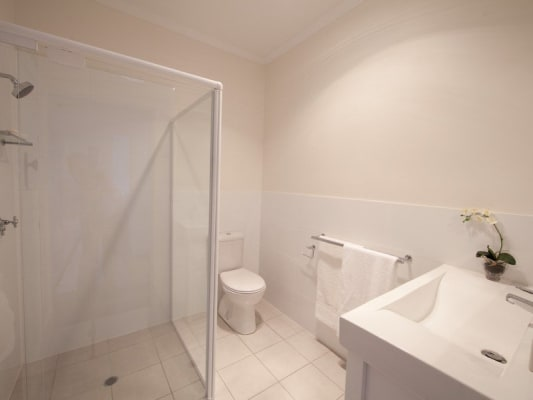 $200, Share-house, 4 bathrooms, Crichton Street, Yeerongpilly QLD 4105