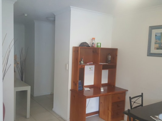 $140, Flatshare, 2 bathrooms, Cavill Avenue, Surfers Paradise QLD 4217