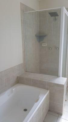 $130, Share-house, 3 bathrooms, Glenefer Street, Runcorn QLD 4113