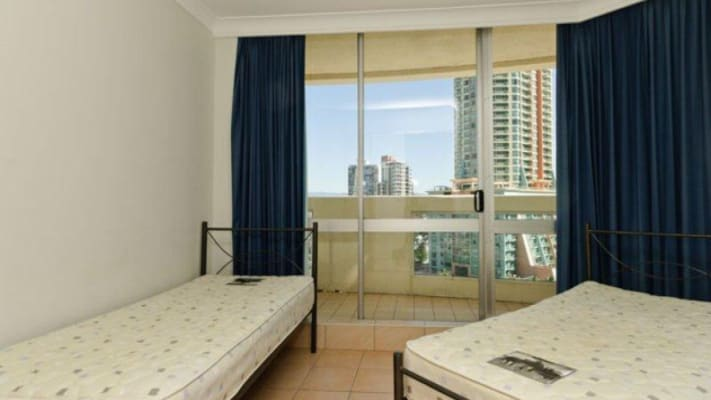 $140, Flatshare, 3 bathrooms, The Esplanade, Surfers Paradise QLD 4217