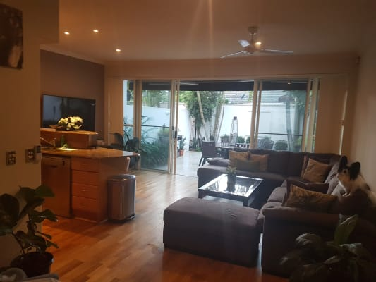 $190, Share-house, 3 bathrooms, Salerno Street, Surfers Paradise QLD 4217
