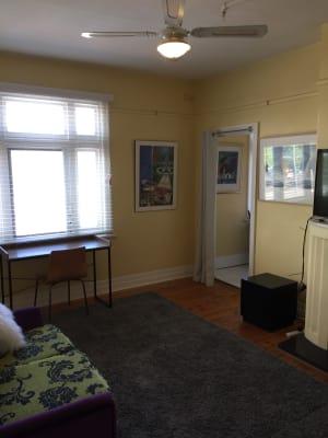 $380, Whole-property, 3 bathrooms, Dandenong Road, St Kilda East VIC 3183