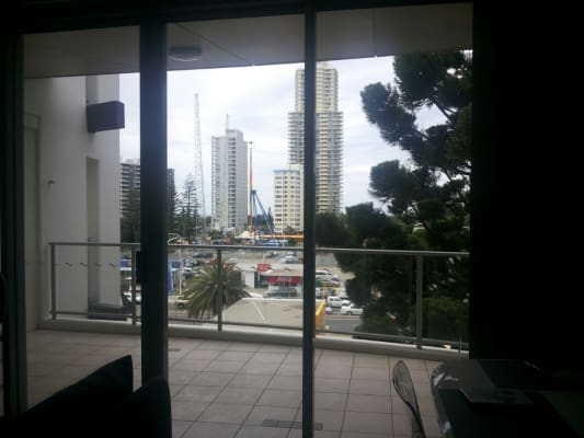 $370, Flatshare, 2 bathrooms, Cypress Avenue, Surfers Paradise QLD 4217