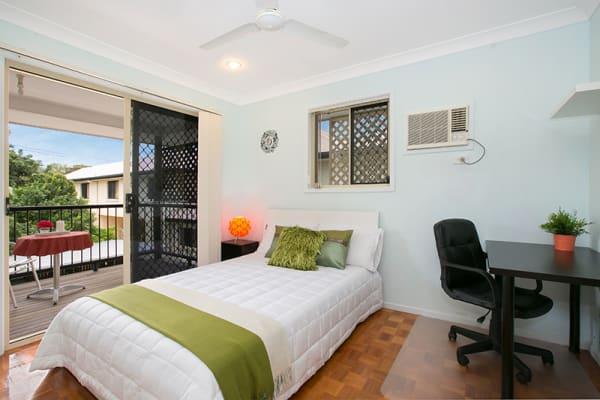 $160, Student-accommodation, 1 bathroom, Howsan Street, Mount Gravatt East QLD 4122