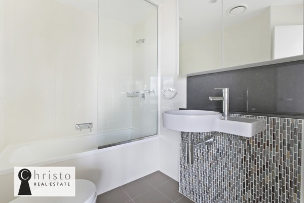 $350, Flatshare, 2 bathrooms, Adelaide Street, Brisbane City QLD 4000