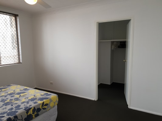 $300, Flatshare, 2 bathrooms, Stanhill Drive, Surfers Paradise QLD 4217