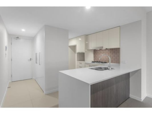 $220, Flatshare, 2 bathrooms, Burdett Street, Albion QLD 4010